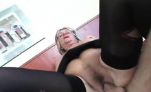 Nasty mature loves it deep and hard in her pussy