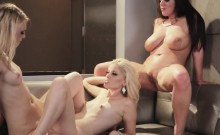 Lily Rader strips naked