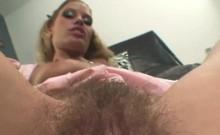 Kinky Renata has her hairy pussy plugged