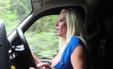 Ebony lesbian enjoy pussy lick in taxi