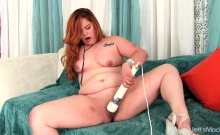 Chubby Girl Shows Her Fat And Bully Ass Juicy Tits And