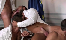 Muscle Gay Flip Flop And Cumshot
