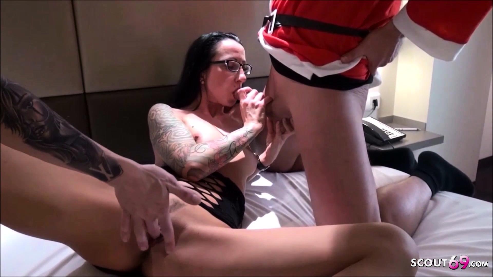 Amateur Big Butt Threesome